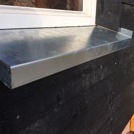 Voorbeelden van zinken maatwerk en zinken dakgoten for Vijverrand maken